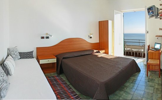 Hotel Augusta: TRIPLA VISTA MARE