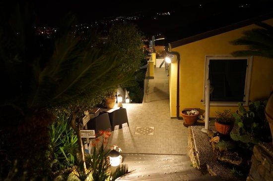 B&B Casa Kiwi Riviera di levante: vista notturna