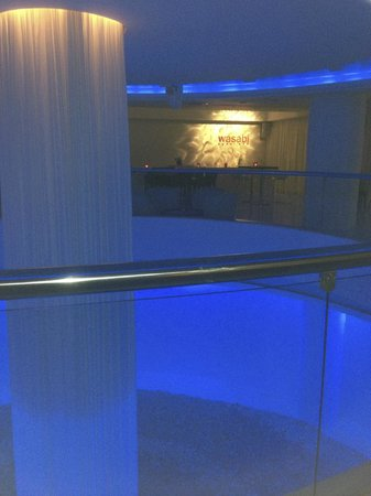 Napa Plaza Hotel: walk through the hotel