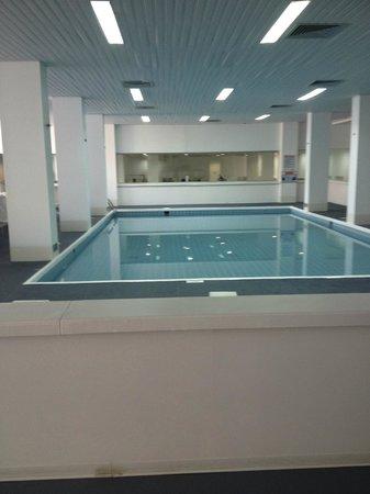 Napa Plaza Hotel: indoor pool and gym