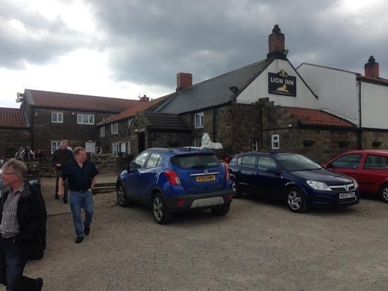 The Lion Inn: Lion Inn front