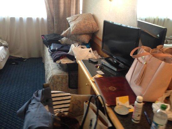 Minerva Hotel: -