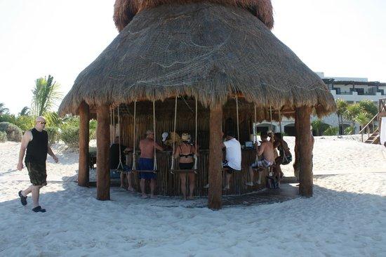 Secrets Maroma Beach Riviera Cancun: Beach bar with swings!