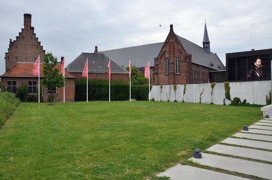STAM Ghent City Museum: Карл 5 на экране