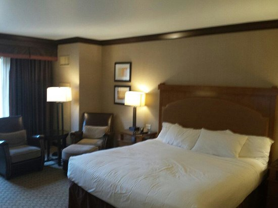 Ameristar Casino Resort Spa Black Hawk: King size bed... Beautiful room with a gorgeous view