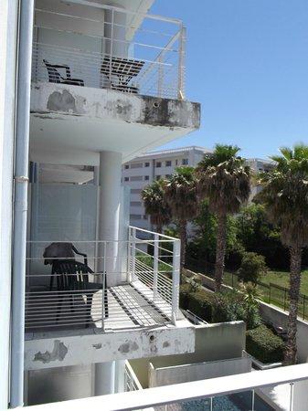 Adagio Marseille Prado Plage : vue sur les balcon voisins