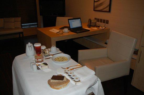 Park Hyatt Beijing: Breakfast roomservice