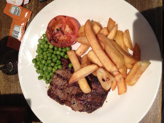 Inn on the Green: My delicious gluten free steak and chips