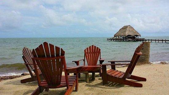 Robert's Grove Beach Resort: Dining on the Beach