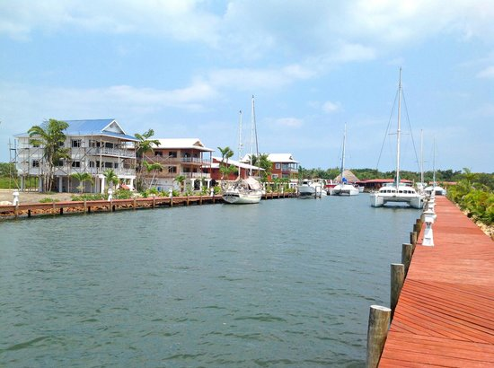 Robert's Grove Beach Resort: The Full Service Marina