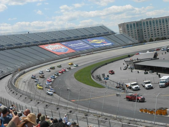 Dover International Speedway: view from Turn 4 at Nationwide race