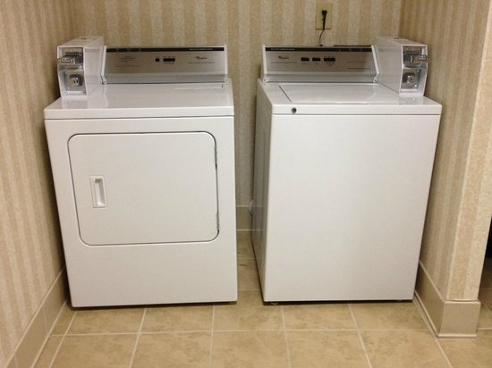 Country Inn & Suites By Carlson, Boone : Guest Laundry