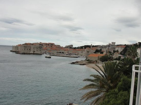 Hotel Excelsior Dubrovnik: View from the balcony in the bedroom