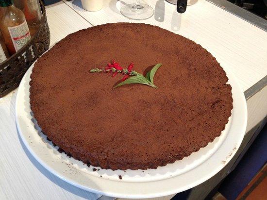 Graze Slow Food Cafe: Amazing Flourless Chocolate Cake