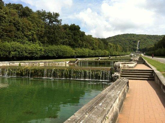 La reggia di caserta i giardini picture of reggia di caserta caserta tripadvisor - Giardini reggia di caserta ...