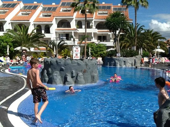 Paradise Park Fun Lifestyle Hotel: childrens and adult pool ajoining