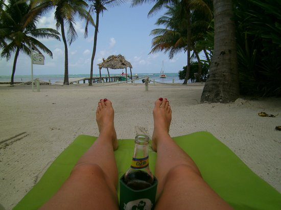 Caye Casa: just another day