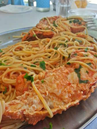 Akrogiali Taverna : Lobster with pasta - you should order it a day before, but its worth
