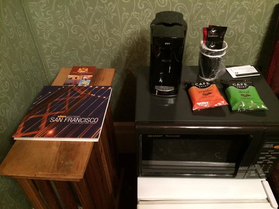 Nob Hill Hotel: Coffee Maker