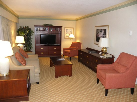 Royal Scot Hotel & Suites: 2 bedroom suite