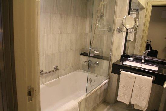 Vincci Albayzin: salle de bain