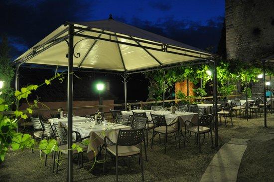 Ristorante Paradiso Perduto: The terracce at naight