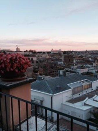 InterContinental de la Ville: balcony view (not all)