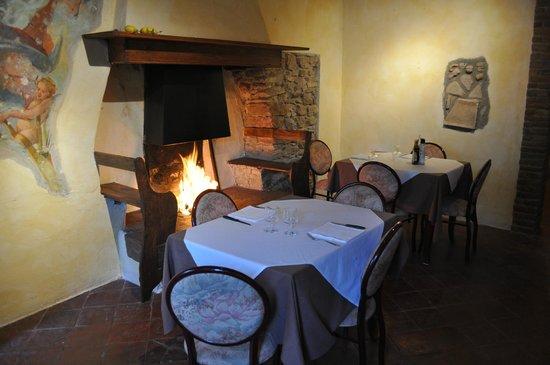 Ristorante Paradiso Perduto: Open fireplace