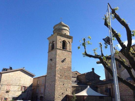 Didacus Ristorante: Il Torrione con Campanile in Piazza della Concordia