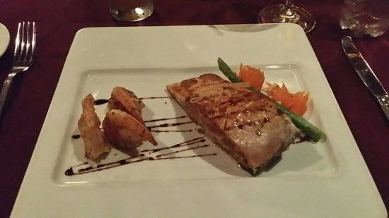Secrets Silversands Riviera Cancun: Delicious salmon filet and shrimp crowns Bordeaux French cuisine.