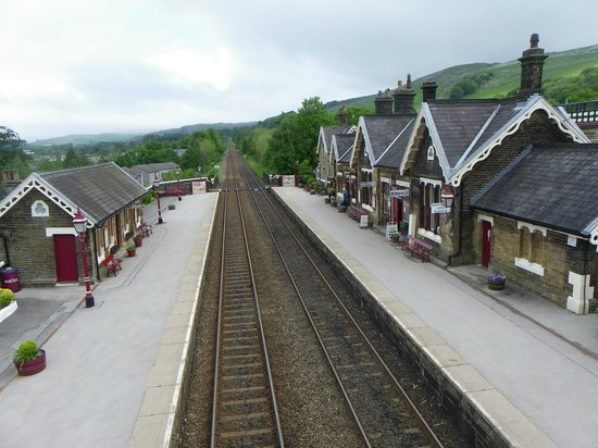 Settle Carlisle Railway: Settle station