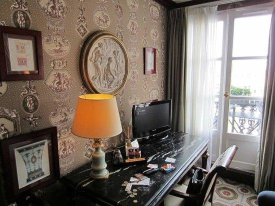 Hotel des Grands Hommes : Room