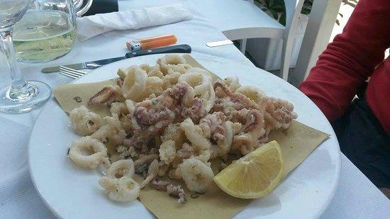 Ristorante Genny: frittura di calamari ottima.