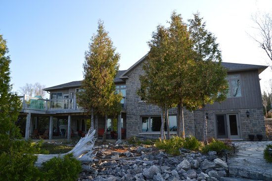 Acres on the Lake Bed and Breakfast: Acres on the Lake