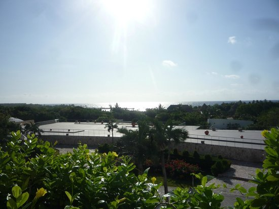 Grand Sirenis Mayan Beach Resort & Spa : view from the buffet