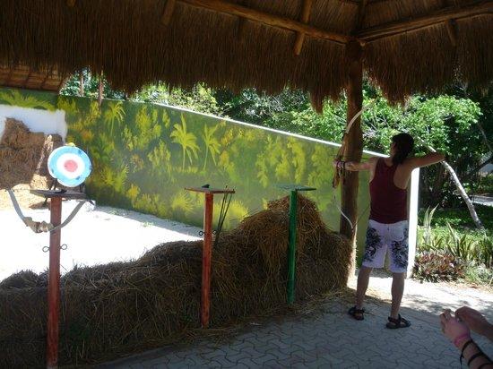 Grand Sirenis Mayan Beach Resort & Spa : archery
