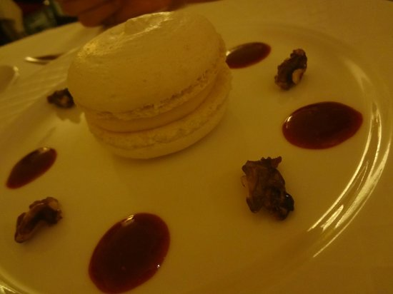 La Bastide du Calalou : Macaron géant citron meringué