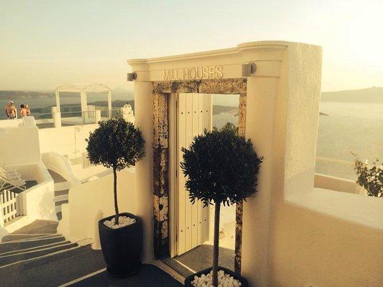 Mill Houses Elegant Suites : Hotel Entrance