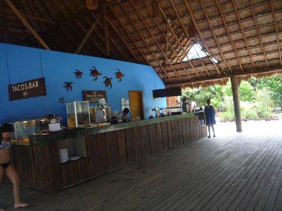 Grand Sirenis Riviera Maya Resort & Spa : beach bar