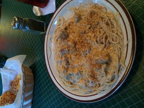 Demos' Steak And Spaghetti House: Blackened Chicken Pasta - way oily!