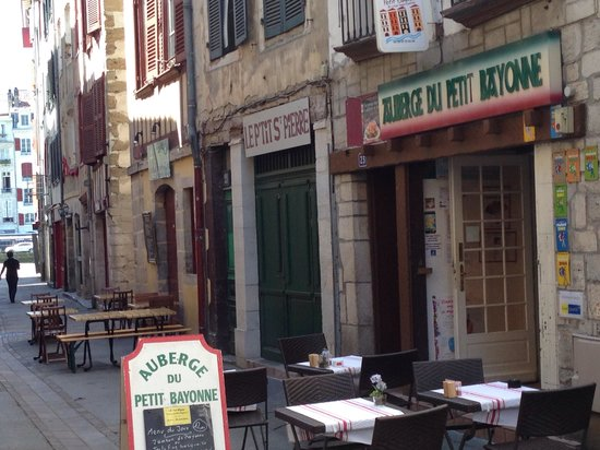petite rue pour grande faim photo de auberge du petit bayonne bayonne tripadvisor. Black Bedroom Furniture Sets. Home Design Ideas