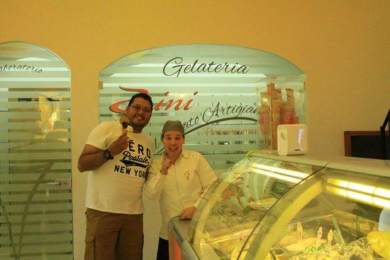 Gelateria Zini, il Gelato Artigianale : Chocolate, Almond and Lemon