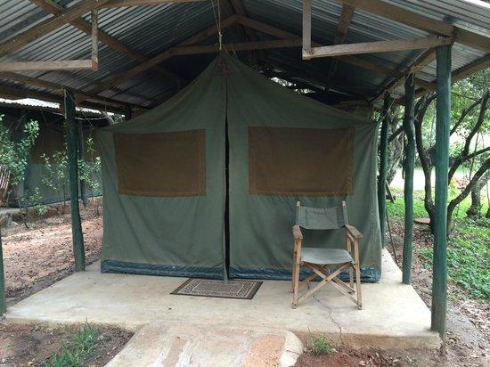 Mara Sidai Camp: Entry to tent