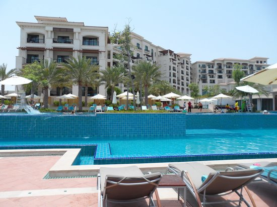 The St. Regis Saadiyat Island Resort: Pool side