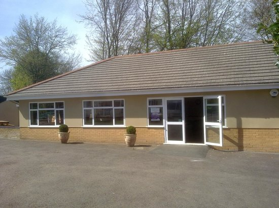 Thriftwood Holiday Park: Club House & Bar