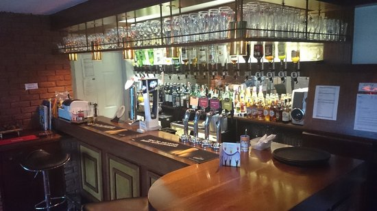 Badgers Mount Hotel: The Bar
