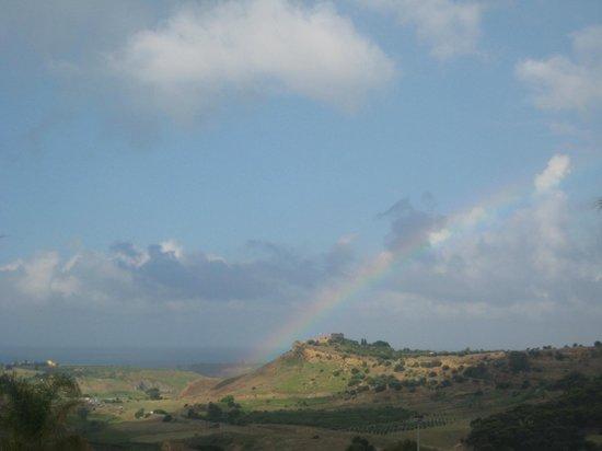 Doric Bed: Vista sulla Valle dei Templi (con arcobaleno)