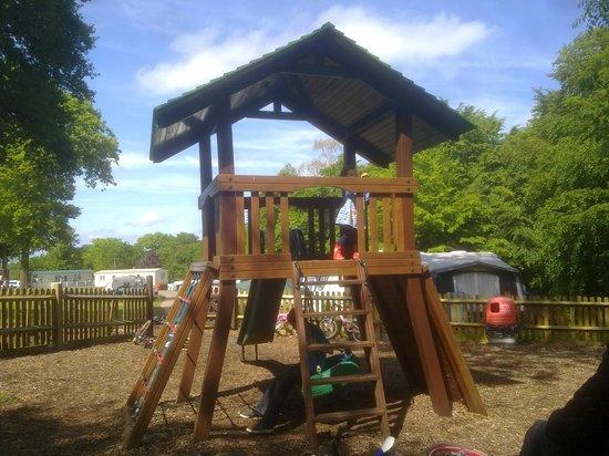 Thriftwood Holiday Park : Slide & Climbing Equipment
