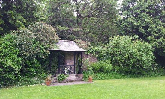 Malleny Garden: entrance