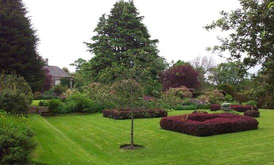 Malleny Garden: grounds